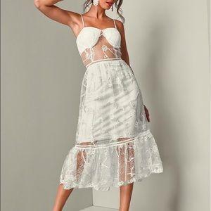VENUS white lace dress